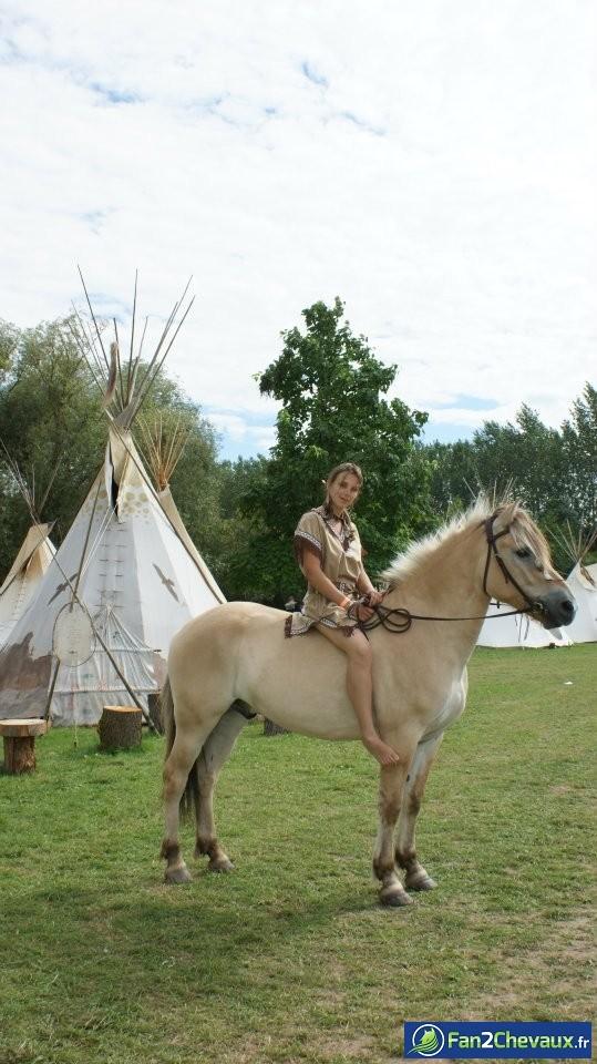 Retour au temps des amérindiens !! :) : Photos du cheval des membres